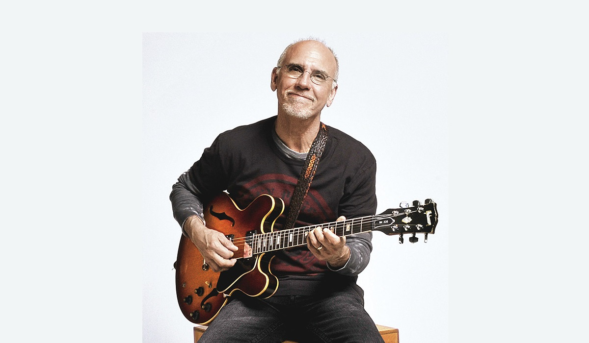 Larry Carlton: The Guitar Magi...